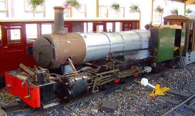 How a steam locomotive should not be. The list of faults in the original Winson design are too many to list here however many are visible in this photo of BVR No.8 in partially stripped state. 28 June 2006