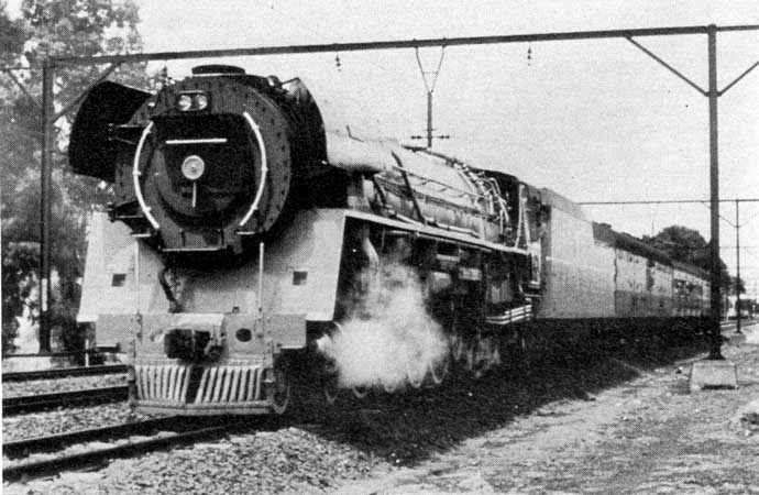 "No.3450 ""L.D.Porta"", and the three coach test train on February 9. Photo ""Rooinek"""