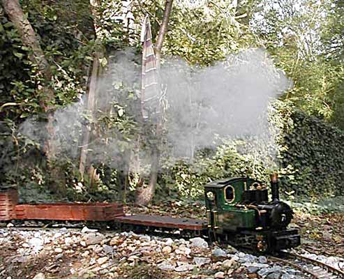The loco on its first test run with a load. October 2005 © Roger Hahn
