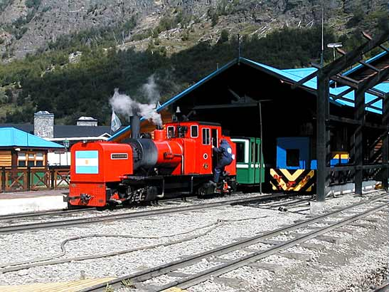Built in 2006 by Phil Girdlestone's firm in South Africa FCAF No.5 'Ing H. R. Zubieta' was still only months old when this photograph was taken at Estacion Fin del Mundo. 22 November 2006 © Sergio Barral