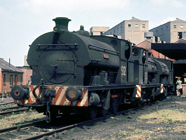 No.2037 of June 1943. Numbered S12 and named 'Clifton' is seen at the Avonmouth docks depot. Behind areS13 'Redland' (No.2038 of August 1943) and what is believed to be S2 'William' built by Peckett's great local rival Avonside in 1915 as No.1725. 21 July 1963. © Geoff Plumb http://geoff-plumb.fotopic.net