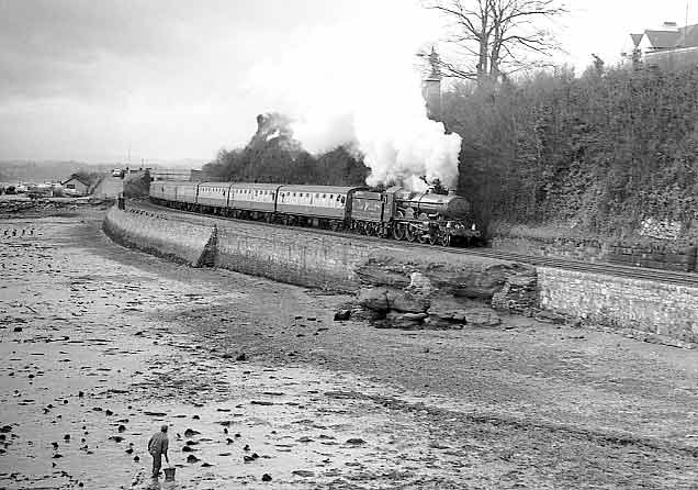 5029 Nunney Castle approaching Teignmouth. February 24 1996