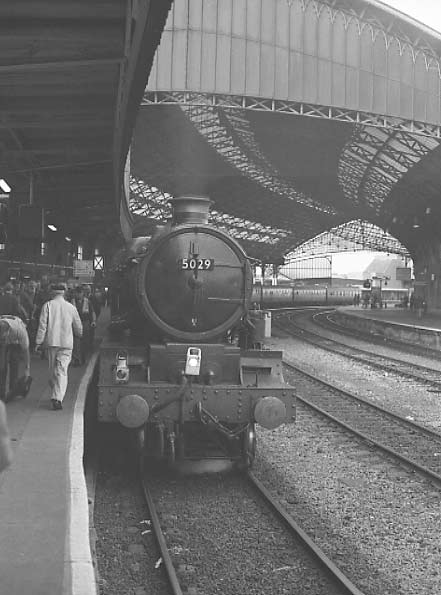 5029 Nunney Castle back at Bristol Temple Meads at the end of the crew training turn. September 2001