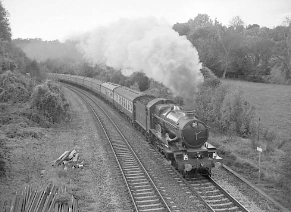 5051 Earl Bathurst climbs through Freshford on her way from Bristol to Didcot. October 2001