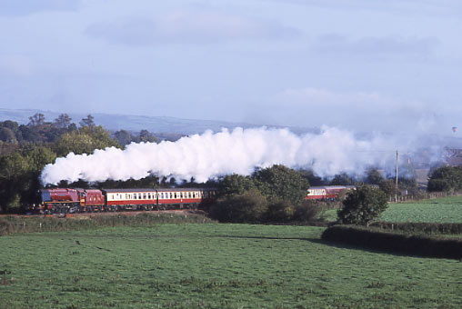 6233 Duchess of Sutherland climbs Wellington Bank. October 2001