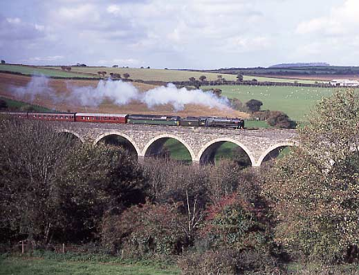 70000 Britannia crosses Coombe viaduct in Cornwall. October 21 1995.