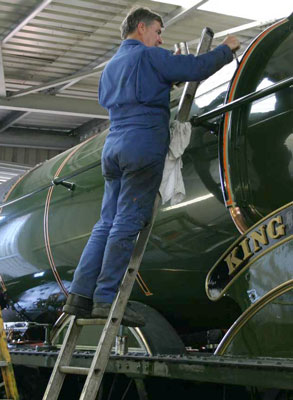 Graham Hopes lines out the injector pipework cover on the fireman's side. September 04 2004 © Huw Button