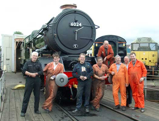 Some of the people who have made it possible.... From the left Chris Brown, Leon Salter, Huw Button, John Salter, Steve Underhill (kneeling on the loco) Keith Lines, Keith Clarke and Dave Fuszard. September 25 2004