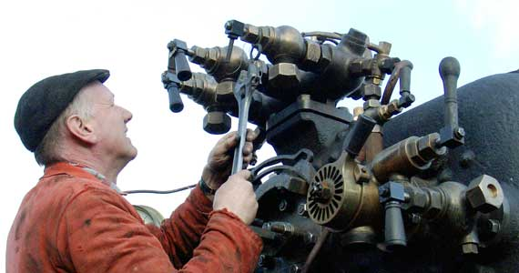 Steve Underhill nips up one of the manifold fittings which was weeping a tiny amount of water. March 06 2004